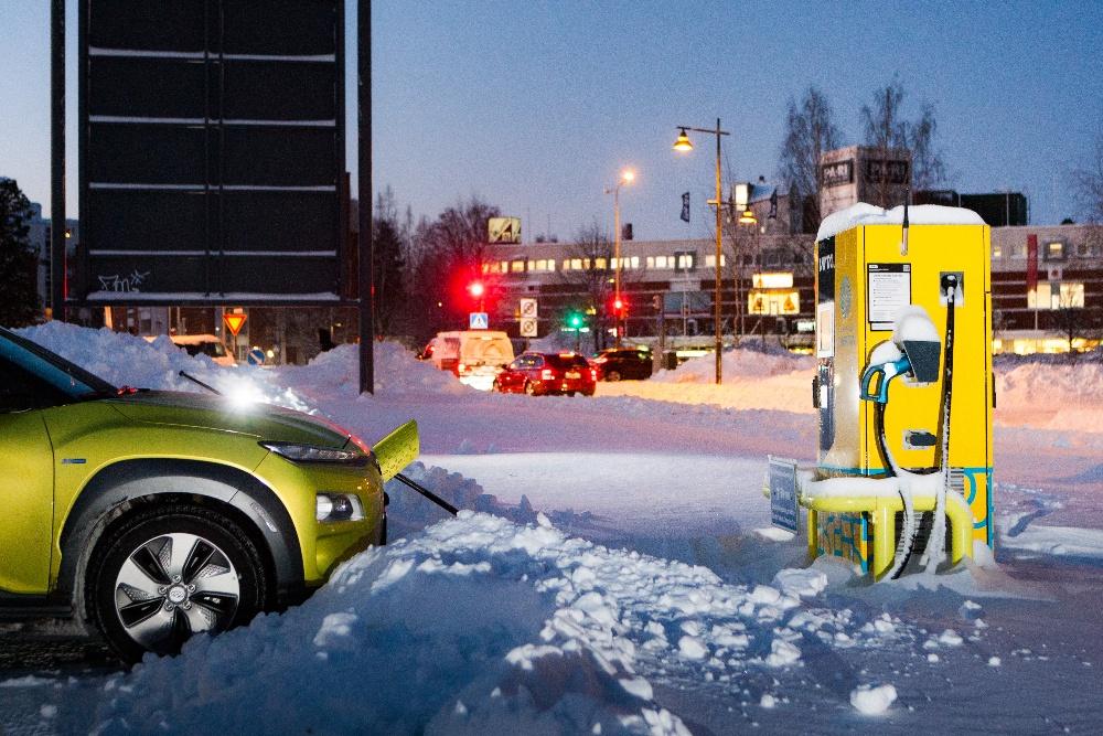 Qframe rijdt elektrisch naar de Alpen